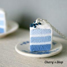 """Collier long """"Blueberry Layer Cake"""" en Fimo"""