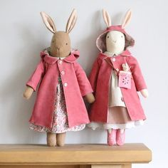 Hope you have a lovely day. Wondering if it's going to be a raincoat or sun hat kind of day Hope you have a lovely day. Wondering if it's going to be a raincoat or sun hat kind of day Doll Sewing Patterns, Sewing Dolls, Handmade Stuffed Animals, Softie Pattern, Fabric Animals, Fabric Toys, Doll Maker, Waldorf Dolls, Soft Dolls