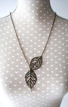 """Boucles d'oreilles artisanales feuilles d'Automne bronze et perles bleues """"vintage"""""""