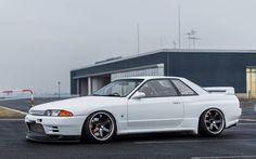Nissan skyline r 32