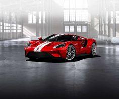 Ford GT w tydzień od rozpoczęcia przyjmowania zamówień, znalazł 7000 chętnych na to limitowane do 500 sztuk auto. Każdy z nich kosztuje 500 000 euro.