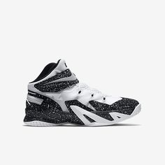 buy popular ea2b2 0bb4a Nike Zoom LeBron Soldier 8 FlyEase (3.5y-7y) Kids  Basketball Shoe. Nike.com