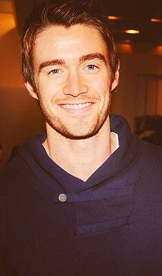 Robert Buckley (aka Clay Evans, One Tree Hill + Kirby Atwood, Lipstick Jungle)