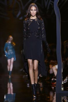 Elie Saab Ready To Wear Fall Winter 2015 Paris - NOWFASHION
