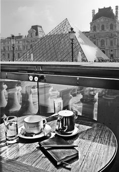 Le cafe Marly, musee du Louvre by Nico Geerlings, via Flickr