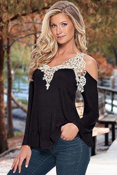 #automneoutfit Blouses & Tops Crochet De Bell Sleeve Cold Shoulder Noir Top €10.26– Modebuy.com