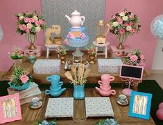 Ideas For Bridal Cake Table Simple Bridal Party Tables, Tea Party Bridal Shower, Bridal Shower Favors, Bridal Shower Invitations, Baby Party, Backyard Bridal Showers, Tropical Bridal Showers, Trendy Baby, Baby Shower Sweets