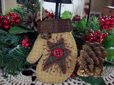 Rustic Country Felt Mitten with Star Christmas Ornament