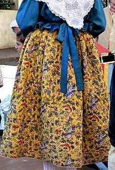 Lei Roucas - Bidouillage, Boutis, Broderie, Couture, Costumes, Cuisine, Dentelle, Expositions, Provençal.....