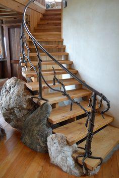 Tree Branch Railing | Middletown Organic Handrail