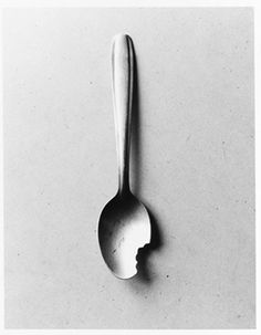 by the Spanish visual poet Chema Madoz Surrealism Photography, Conceptual Photography, Art Photography, Foto Filter, Poesia Visual, Pinterest Photography, Black N White Images, Art Graphique, Art Plastique