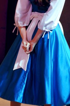 Belle beauty and the beast Belle Aesthetic, Disney Aesthetic, Princess Aesthetic, Aesthetic Photo, Disney Face Characters, Disney Films, Disney And Dreamworks, Disney Parks, Princess Beauty