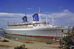 SS Australis at Timaru Merchant Navy, Merchant Marine, Uss America, Ship Tracker, Steam Boats, Ocean Cruise, Ghost Ship, Us Sailing, Rms Titanic