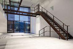 Escalera diseño corten • Metàl·lics Cabratosa • metalistería - arquitectura RVDV (países bajos)