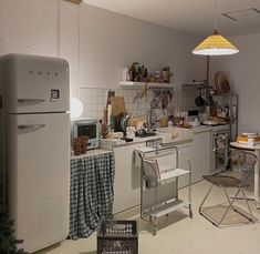 Cute Kitchen, Kitchen Decor, Kitchen Ideas, Room Interior, Home Interior Design, Minimalist Room, Aesthetic Room Decor, Dream Apartment, Cool Rooms