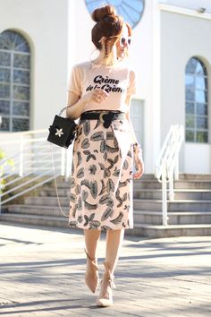 Sometimes I find the perfect midi skirt, and even thought they're a few in my closet, I just love each of them. So now I found the perfect pink midi skirt!