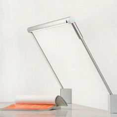 Sobre Desk Lamp available from respondé http://respondefurnishings.com/collections/lighting/products/sobre-desk-lamp