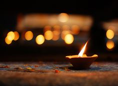 Bereavement at Christmas. About human loss but same principles apply for pet loss. Citronella Candles, Candels, Candle Lanterns, Spiritual Images, Spiritual Life, Manifestation Law Of Attraction, World Religions, Bereavement, Oil Lamps