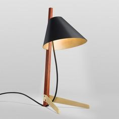 Studioilse redesigns Kalmar Werkstätten's Billy BL floor and Billy TL table lamps, both of which combine sophistication, luxury, and warmth in one package. Wood Bench With Back, Apartment Chic, Bedside Table Lamps, Black Exterior, Light Fittings, Light Table, Lamp Design, Lights, Creative Director