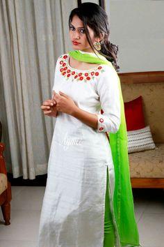 Kurta Designs Women, Salwar Designs, Kurti Neck Designs, Blouse Designs, Kurti Embroidery Design, Embroidery Suits, Indian Attire, Indian Outfits, Indian Gowns