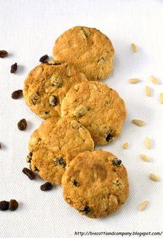 Biscotti rustici uvetta e pinoli