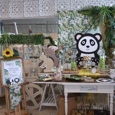Στολισμός Βάπτισης-Candybar Panda Panda, Table Decorations, Furniture, Home Decor, Homemade Home Decor, Panda Bear, Home Furnishings, Pandas, Decoration Home