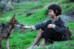 White Wolf : Heartwarming Photos Of Children Playing With Wolves Manila, The Age Of Innocence, World Movies, Simple Minds, Pretty Tough, Peaceful Life, White Wolf, Family Dogs, Boys Who