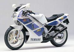 YAMAHA TZR250 (1988)