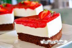 Tort-cu-iaurt-si-capsuni-f2 Cheesecake, Desserts, Tailgate Desserts, Deserts, Cheesecakes, Postres, Dessert, Cherry Cheesecake Shooters, Plated Desserts