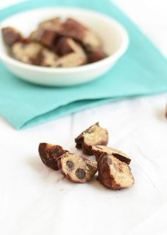 Frozen Vegan (& healthy!) Chocolate Chip Cookie Dough Bites via FitFoodieFinds.com