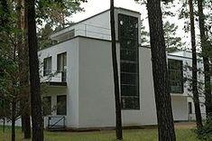 Bauhaus-Dessau Meisterhaeuser3.jpg