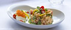 Panzanella aromatica, mousse di burrata e uova di salmone