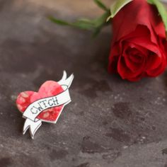 Welsh Cwtch Brooch / Pin - welshgiftshop.com