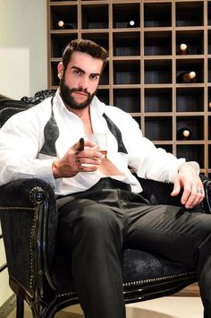 Just beautiful men in suits, uniforms and shorts who have fun! Hairy Hunks, Hunks Men, Hairy Men, Costume Sexy, Cigar Men, Formal Men Outfit, Man Smoking, Pipe Smoking, Suit And Tie