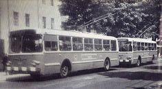 """- """"El último trolebús que se niega a morir"""" • El sistema de trolebuses apareció en Bogotá en 1948. La última vez que los bogotanos se movilizaron en estos vehículos fue el 15 de agosto de 1991. • Colaboración de: """"I ♥ Bogotá"""" -"""
