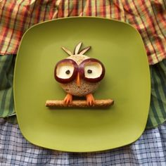 """Pin for Later: 61 Food Art Ideas For Kids That Are Almost Too Cute to Eat Look at the Birdie """"Owl"""" you need are a few food staples to re-create this friend."""