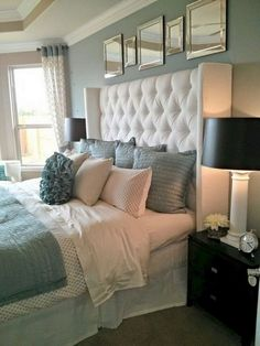 45 Elegant Small Master Bedroom Inspiration On A Budget - Home decor - Bedding Master Bedroom Farmhouse Master Bedroom, Bedroom Paint Colors Master, Home Bedroom, Small Master Bedroom, Bedroom Inspirations, Huge Master Bedroom, Bed Headboard Design, Bedroom Headboard, Master Bedroom Colors