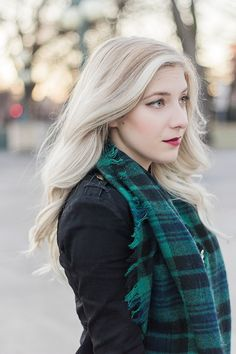Hair Inspiration // Loose Curls + Bleach Blonde Sombre Balayage