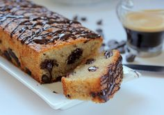 עוגת אספרסו עם שוקולד צ'יפס וציפוי שוקולד מתקשה replaced 60gr of flour with almond meal, the sour cream with almond milk. Would add more chocolate