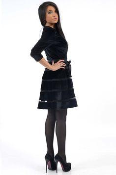 Черное бархатное платье с расклешенной юбкой. Скидки и цены по ссылке http://fas.st/HeNoRJ