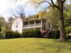 CHARMING TWO-STORY HOME WITH 69 ACRES IN KENTUCKY 1 hour 45 to BG