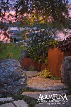 Steel and stone retaining walll modern landscape Modern Landscape Design, Landscape Edging, Garden Edging, Landscape Plans, Modern Landscaping, Garden Landscaping, Landscaping Ideas, Backyard Ideas, Lakeside Garden