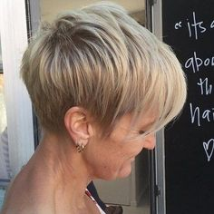 70 Overwhelming Ideas for Short Choppy Haircuts Blonde Layered Pixie With Ash Blonde Highlights Short Hair Cuts For Women, Short Hairstyles For Women, Cool Hairstyles, Short Hair Styles, Choppy Hairstyles, Gorgeous Hairstyles, Medium Hairstyles, Hairstyle Short, Teenage Hairstyles