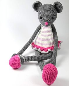 Dora Grey is cute and fashionable, beautiful handmade toy and little girls love to hug her and play with her all day long.  Mummies enjoy playing with their little girls and help them find the right outfit for Dora or even make it themselves. Dora makes outstanding room decoration for a little girl's nursery or playroom!  #babyshower #gift #maus #mouse #handmade #toy #doll #babygifts #kinderzimmer #kidsroom #deko #handgemacht #amigurumi #crochet