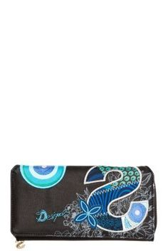 Desigual women's Maria S Patch purse. It measures 19 x cm and has a zip fastening. It features embroidery and varied patterns in blue tones against a black background. A cool design that wants to be in your bag! Blue Tones, You Bag, Black Backgrounds, Women's Accessories, Cool Designs, Patches, Make It Yourself, Embroidery, Purses