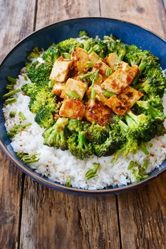 What Exactly Are The Key Benefits Of Having A Salad Everyday? Tofu Recipes, Lunch Recipes, New Recipes, Vegetarian Recipes, Cooking Recipes, Healthy Breakfast Recipes, Healthy Recipes, Plats Healthy, Plat Vegan