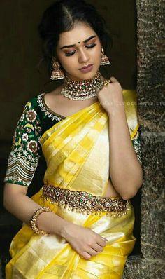 Half Saree Designs, Blouse Designs Silk, Saree Blouse Patterns, Designer Blouse Patterns, Bridal Blouse Designs, Wedding Saree Blouse, Bridal Silk Saree, Wedding Sarees, Traditional Blouse Designs