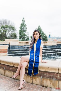 Girl Graduation Pictures, Graduation Look, Graduation Picture Poses, Graduation Portraits, Graduation Photography, Graduation Photoshoot, Grad Pics, Grad Pictures, College Graduation