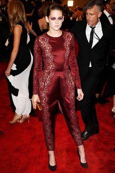 Met Gala 2013 - Kristen Stewart in red lace Stella McCartney.