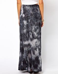 Not sure why I'm obsessed with the idea of having a Tie Dyed Maxi Skirt...